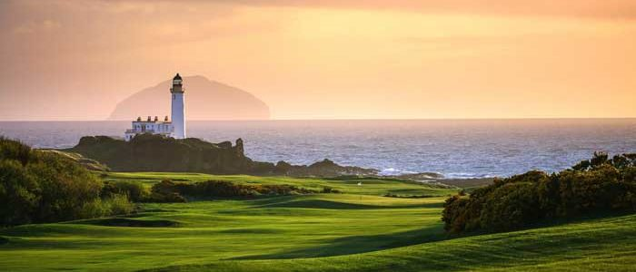Book and stay at a luxury Loft apartment in Ayr and visit Turnberry Loghthouse